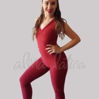 mono-deporte-rojo-modelo-leticia