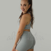 Leggings-shorts-gris-alma-latina-ropa-de-baile-y-deportiva